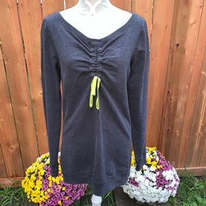 Lululemon sweater Cinched Size 8
